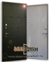 Металлическая дверь с клепками 23.