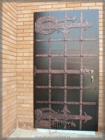 Дверь с элементом ковки К28